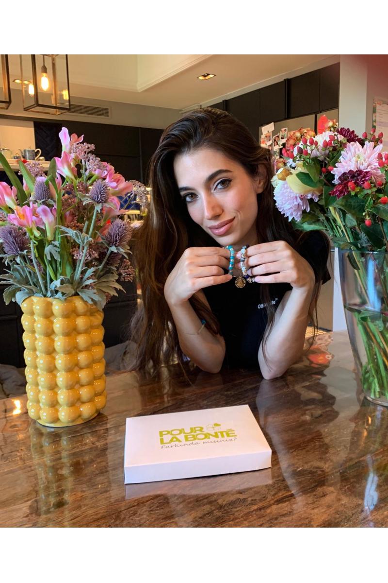 Rachel Araz'ın Sağlık Bilekliği