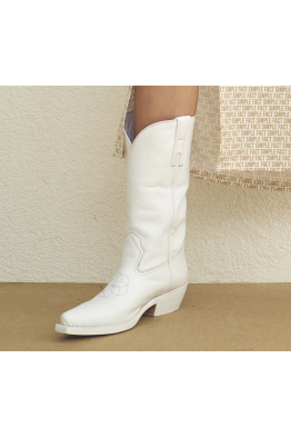 SIMPLE W BOOT