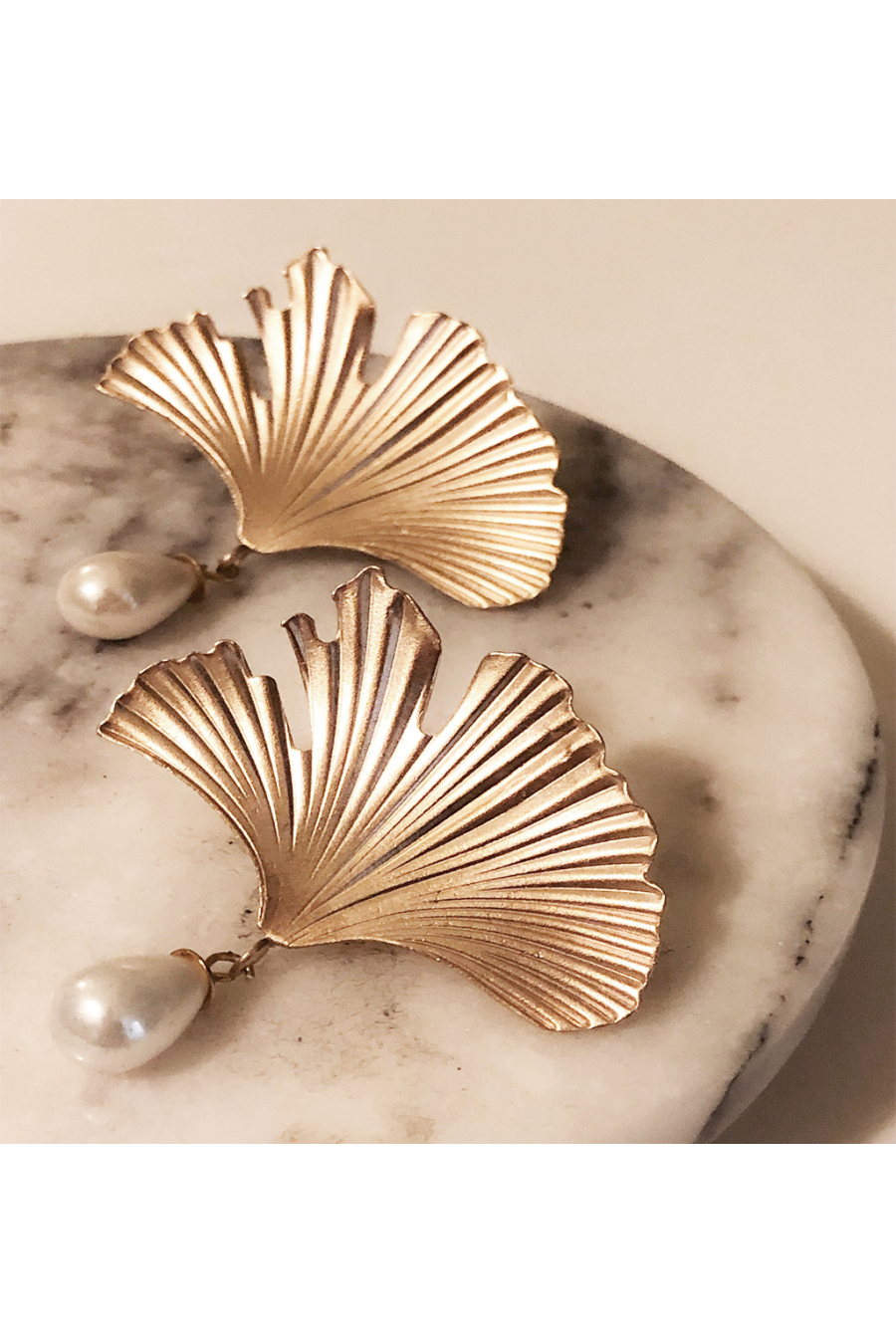 Reborn Earring | White Pearl | Brass 18K Gold Plated