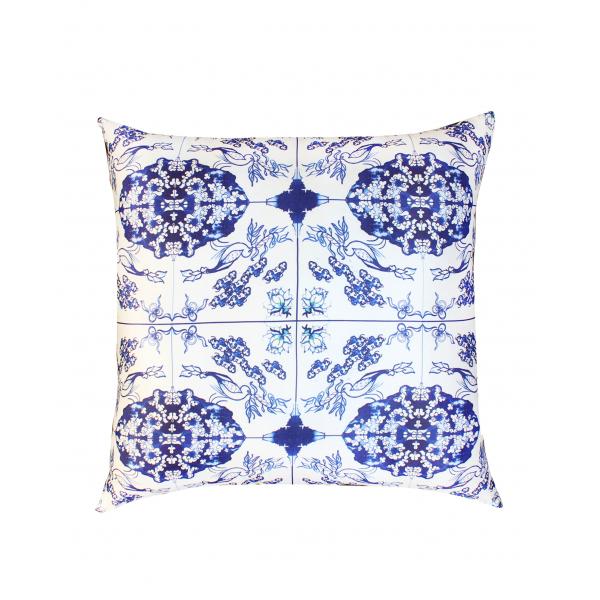 White Tile Desenli 50x50 Saten Yastık