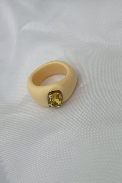 Nilky Cream Ring Nilky Cream Ring