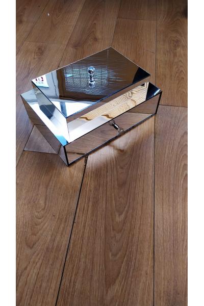 Çekmeceli+Kapaklı Aynalı Kutu Çekmeceli+Kapaklı Aynalı Kutu