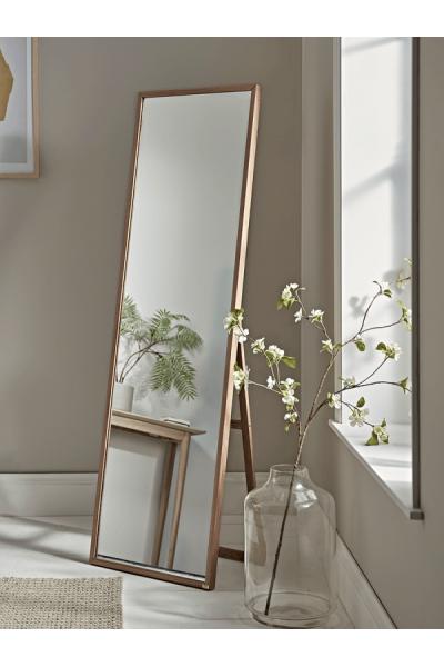 Suzano Ayna  Suzano Ayna