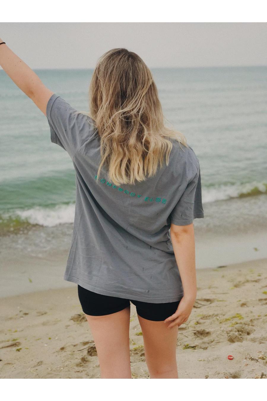 grey t-shirt