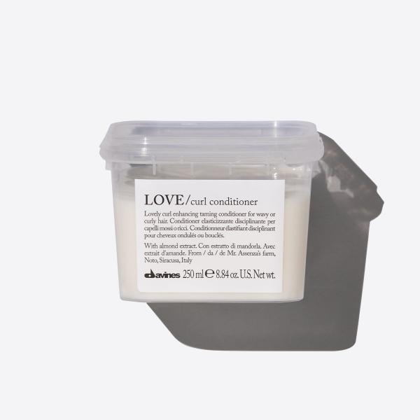Davines Love Bukle Belirginleştirici Saç Kremi 250ml Davines Love Bukle Belirginleştirici Saç Kremi 250ml