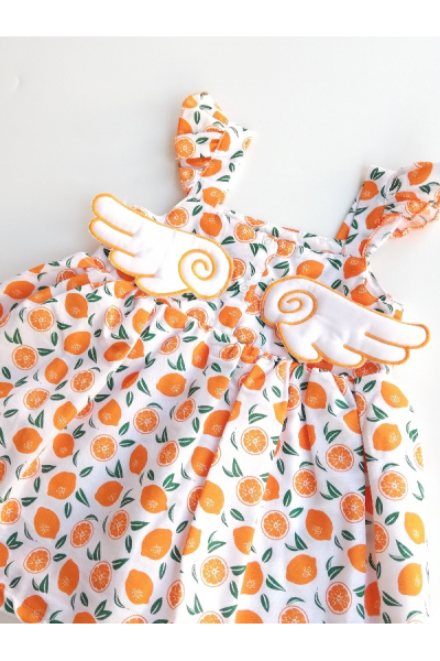 Portakal Kanatlı Elbise