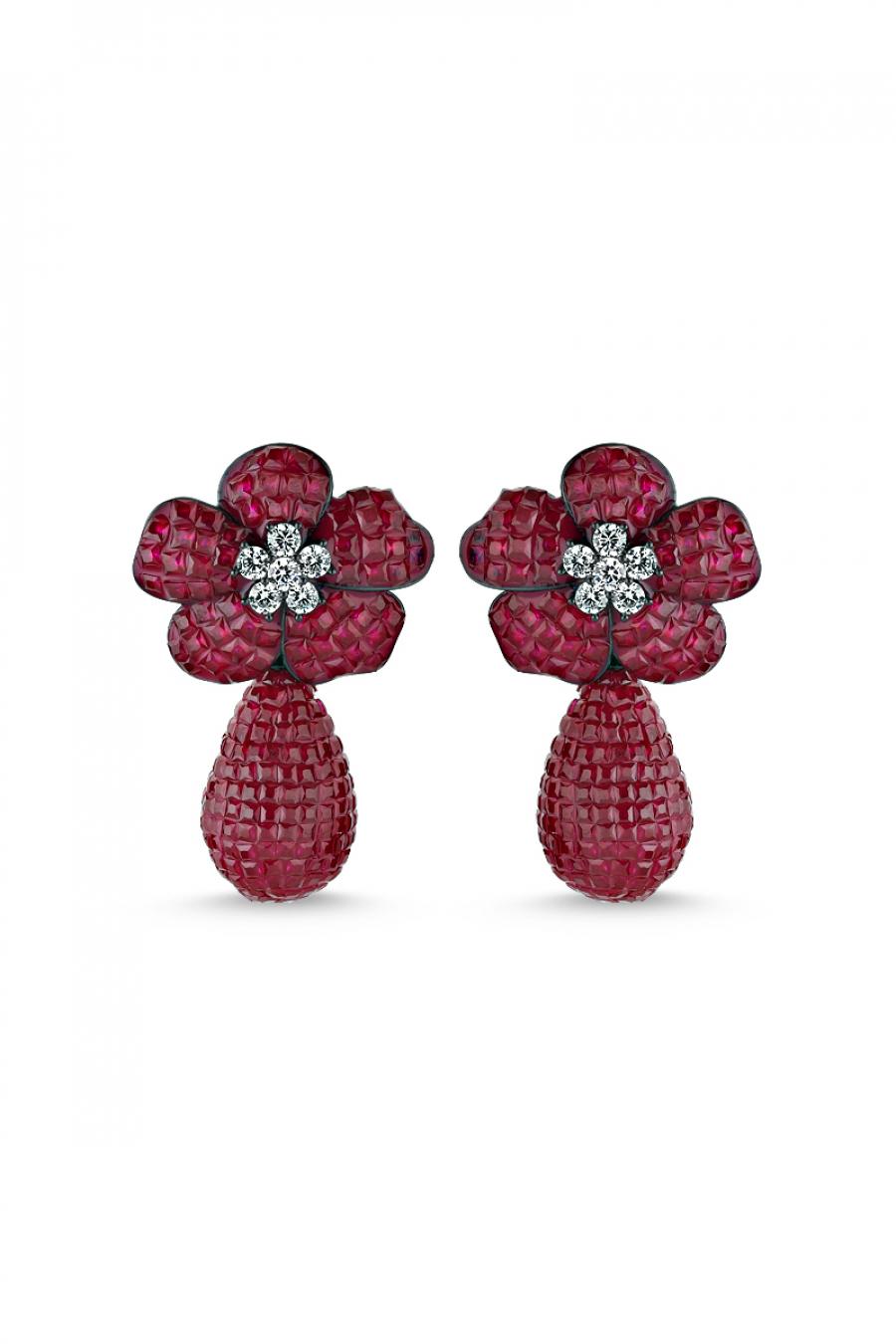 Kırmızı Taşlı Çiçek Motifli Sallantılı Siyah Küpe