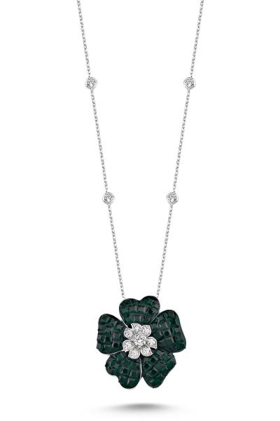Yeşil Taşlı Çiçek Motifli Beyaz Kolye