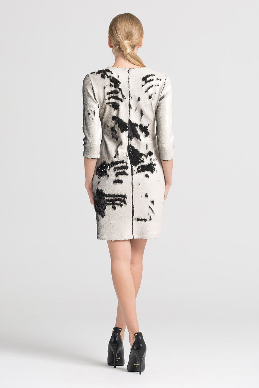 Payet İşlemeli Elbise