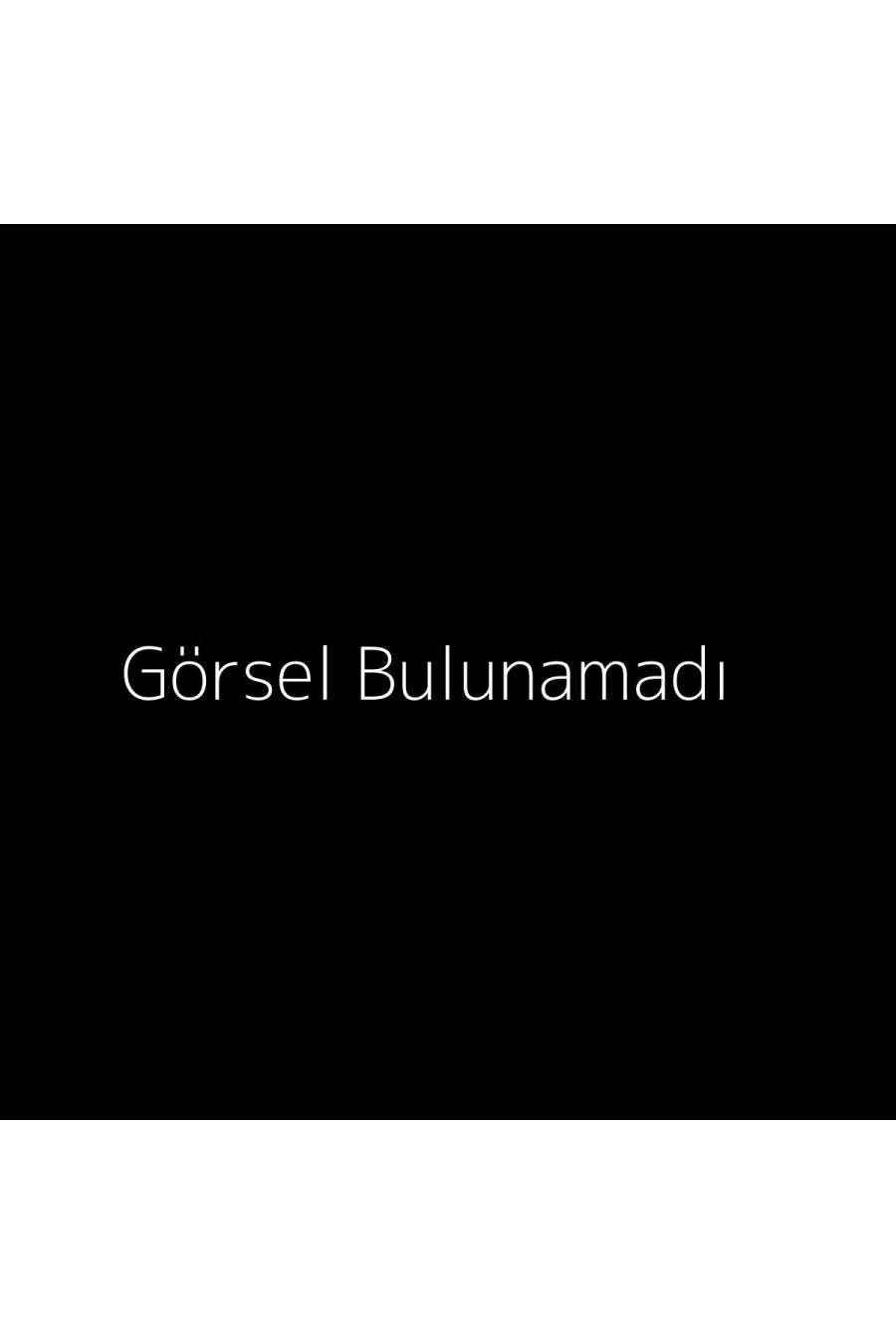 Üçgen Omuz Detaylı V Yaka Bluz