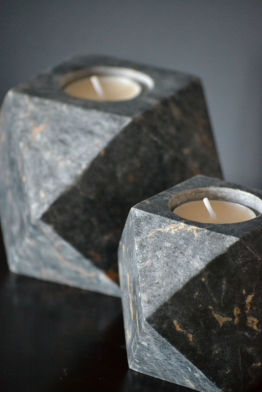DECOREY BLACK CORNERED CANDLE